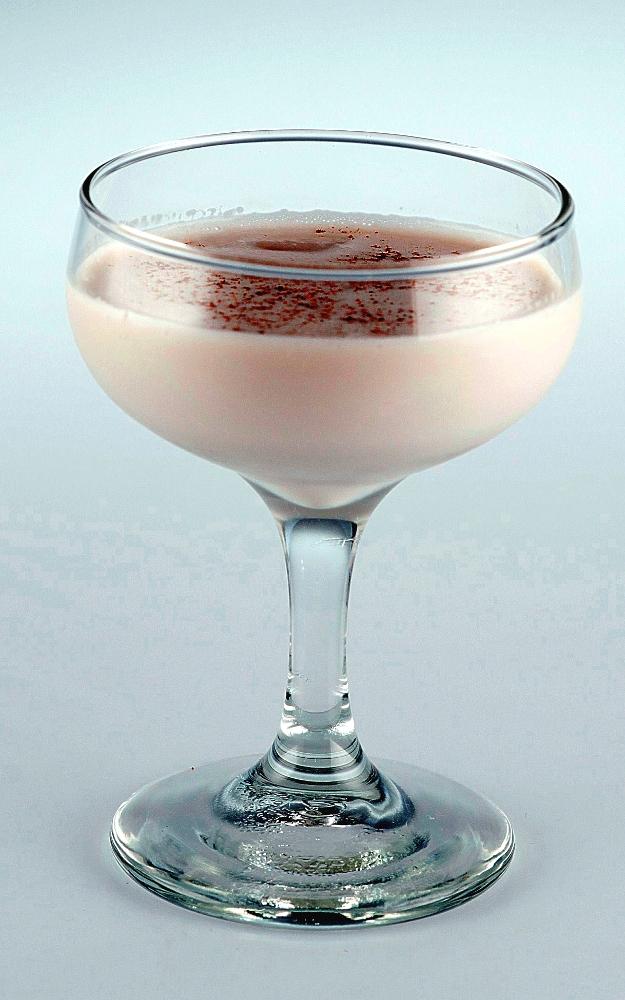 Brandy Alexander visual recipe by Cocktail Hunter