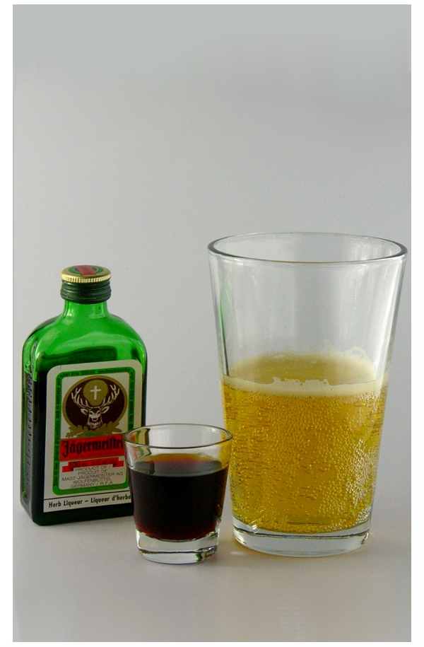 J ger bomb drink recipe with pictures for Cocktail jager